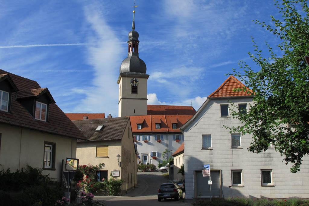 Schneckenweg - Kirche und Kirchenburg