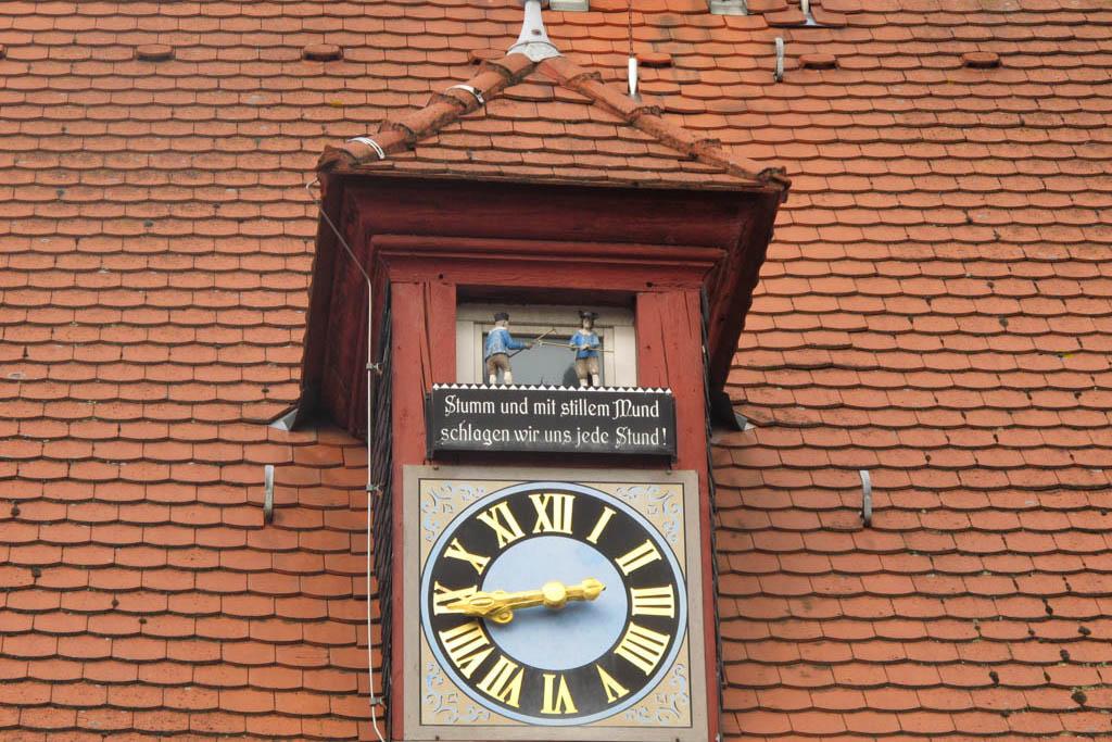 Schneckenweg - Rathausuhr - Bauer und Häcker