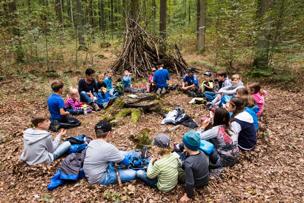 Geisbergwichtel auf dem Waldsofa