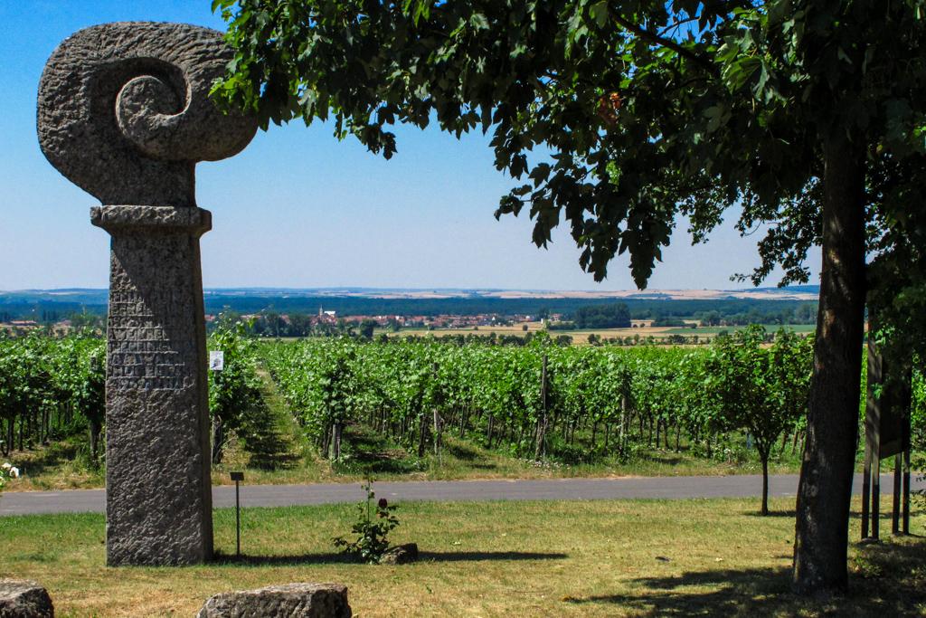 Kiliansdenkmal in der Weinlage Kiliansberg