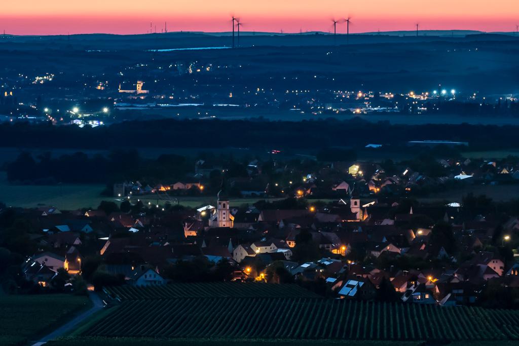 Blick von der Einsiedelei auf Rödelsee und Kitzingen