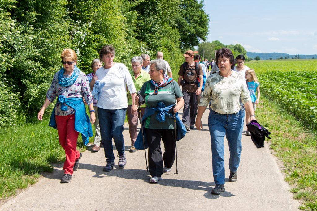 Wandergruppe auf dem Mühlenweg