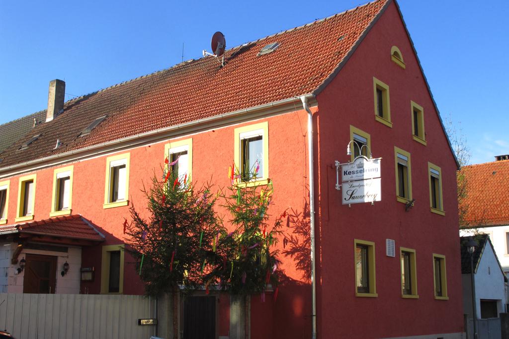 Feuerbach Gasthaus in Ortsmitte