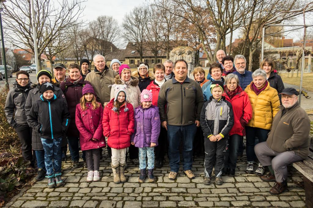 Gruppenfoto Wandergruppe im Seegarten