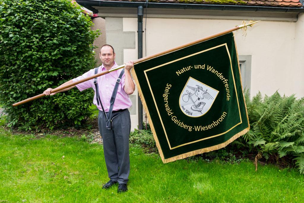 Fahnenweihe - Präsentation der Fahne